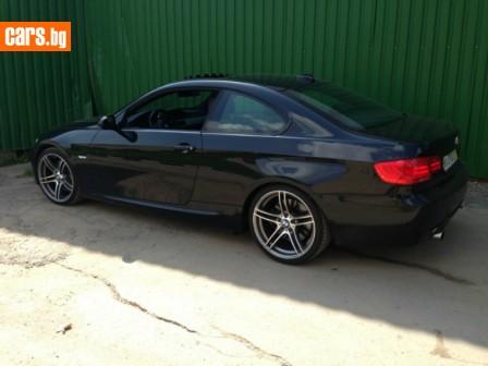 BMW 320 photo
