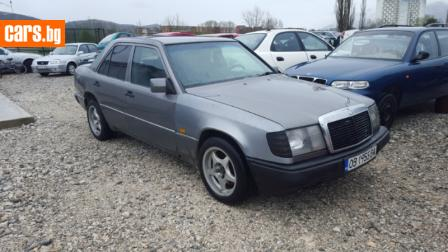 Mercedes-Benz 124 2.5 d photo