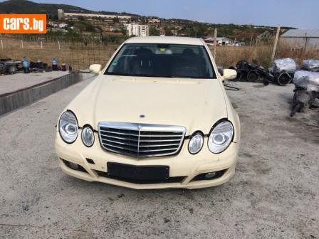 Mercedes-Benz E 220 Face photo