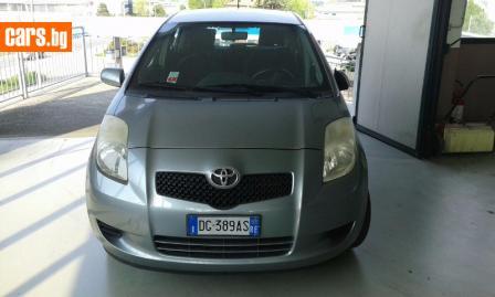 Toyota Yaris 1.3i photo