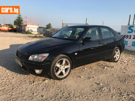 Lexus IS200 2.0i photo