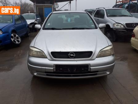 Opel Astra 1.6 photo