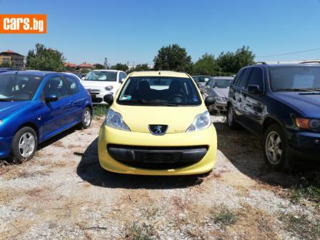 Peugeot 107 1.0 photo