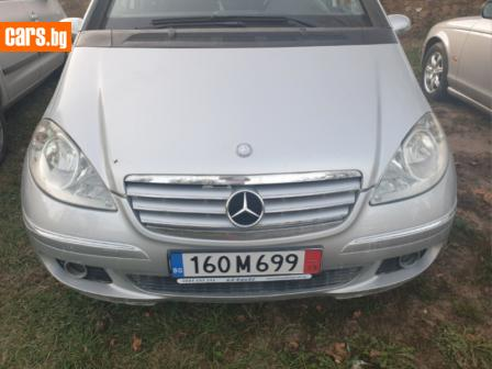 Mercedes-Benz A 180 photo