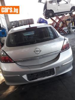 Opel Astra GTC photo