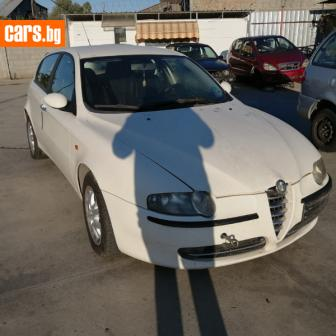Alfa Romeo 147 photo